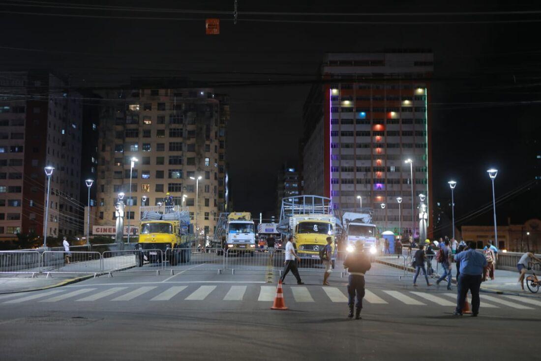 Ponte Duarte Coelho é interditada para a montagem do Galo da Madrugada 2020