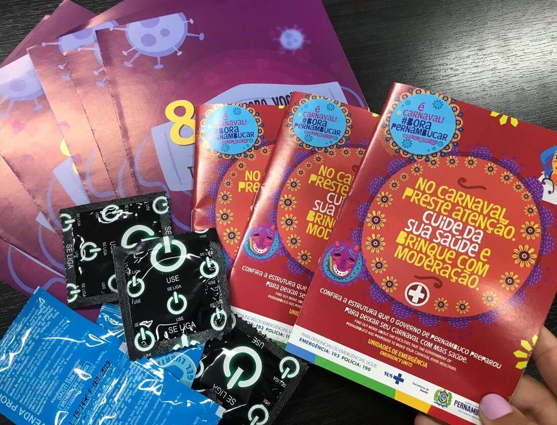 Serão distribuídas 60 mil cartilhas bilíngues em português e inglês, além de dois mil cartazes informando os locais das unidades de saúde no Estado