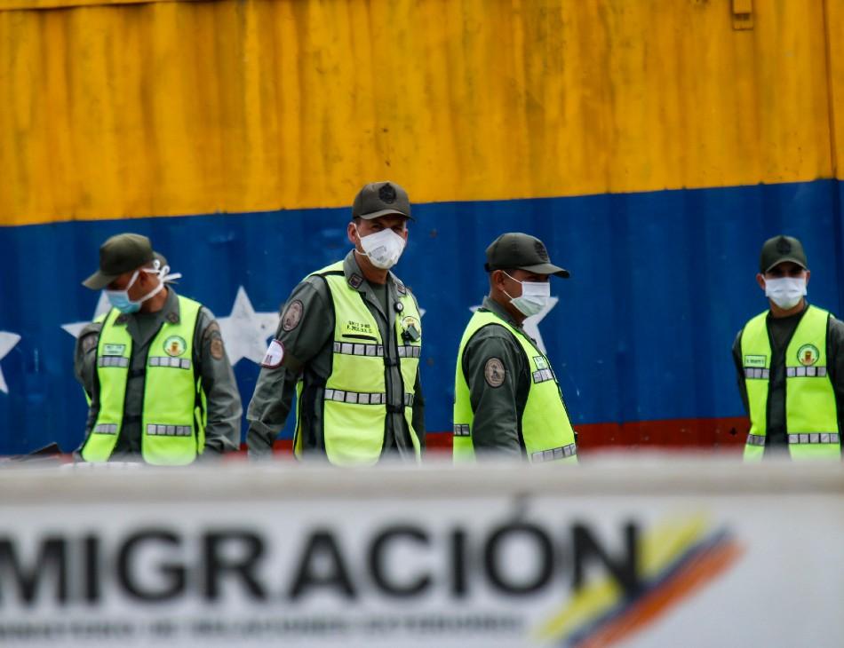 Fronteira da Colômbia com a Venezuela protegida por guardas