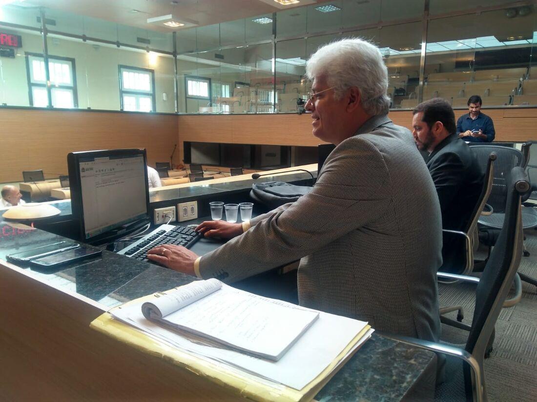 Eduardo Marques antecipou que os técnicos de tecnologia da Câmara estão trabalhando para que as reuniões possam ser realizadas por vídeo conferência