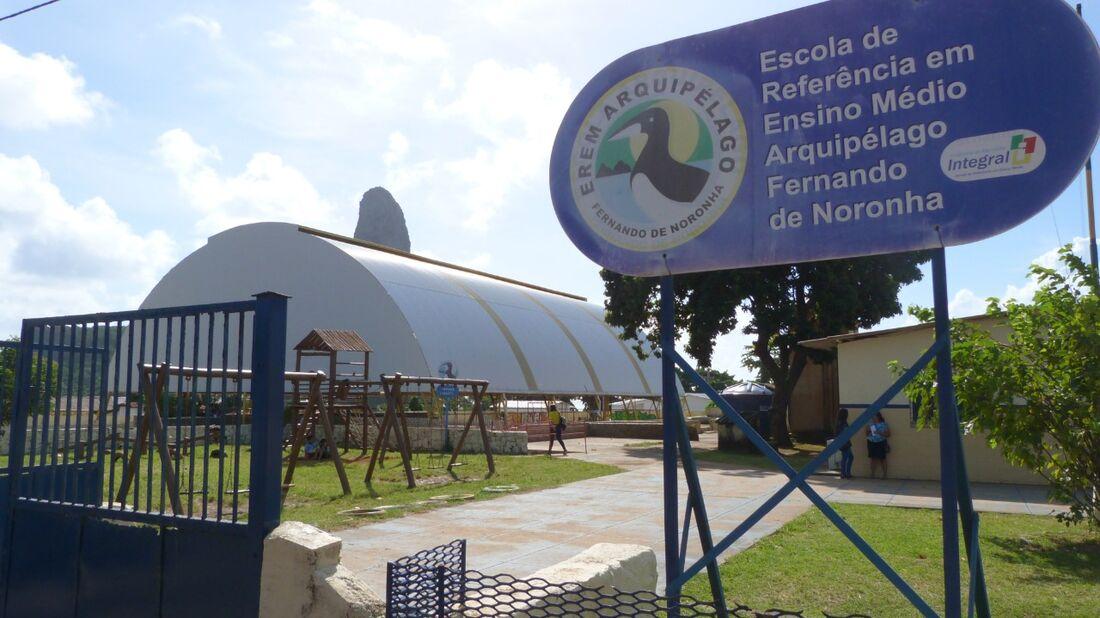 Salas da Escola Arquipélago irão receber os leitos