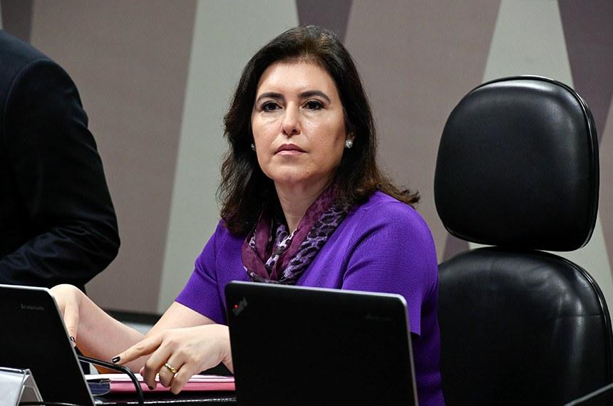 Presidente da CCJ, a senadora Simone Tebet