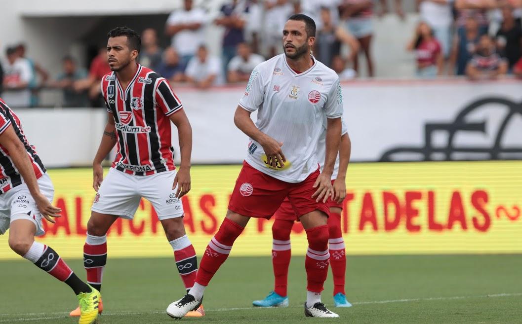 Ronaldo Alves, zagueiro do Náutico
