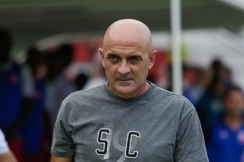 Itamar Schulle, técnico do Santa Cruz