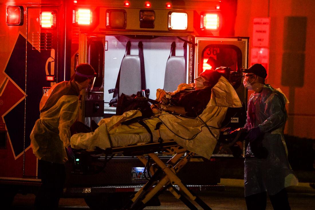 Homem é levado a hospital em Ft. Lauderdale, nos EUA