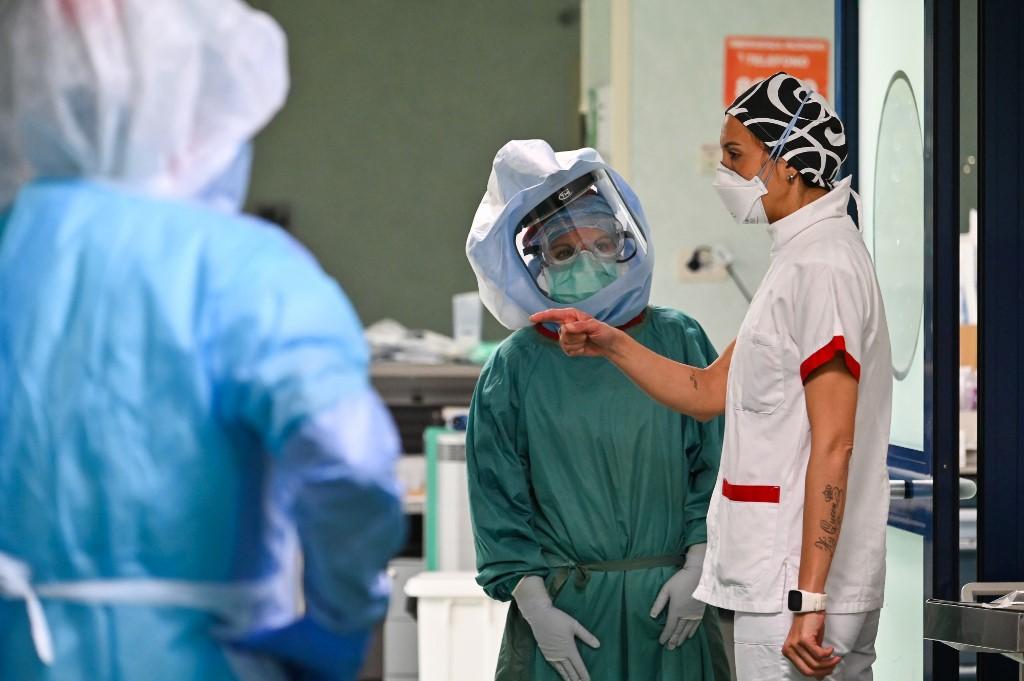 Profissionais da saúde em atividade na Itália