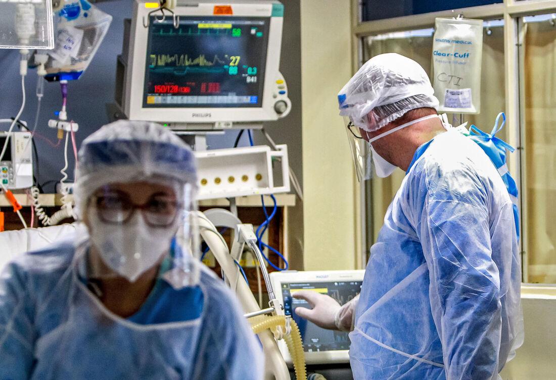 Profissionais da saúde no enfrentamento da pandemia no Brasil