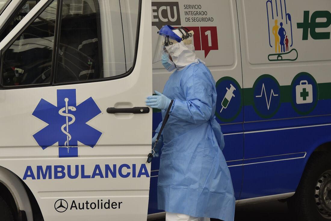 Sistemas de saúde têm entrado em colapso com a pandemia