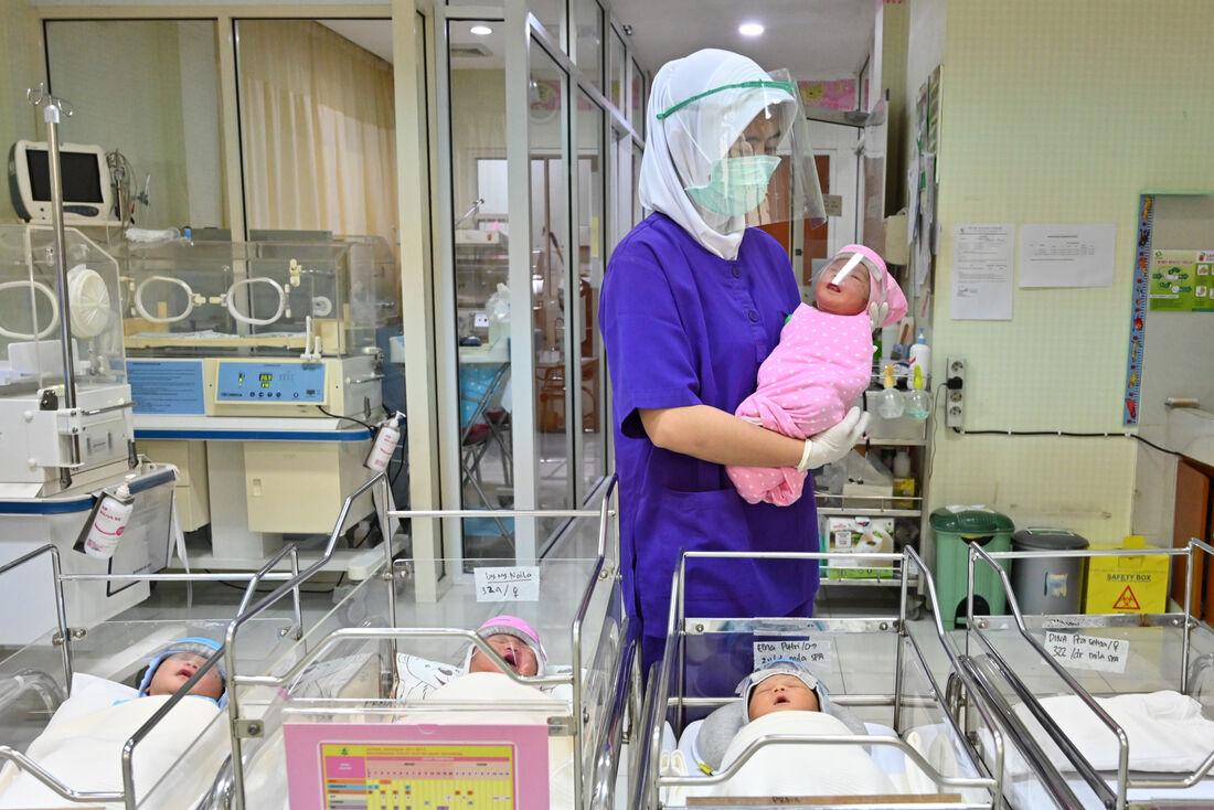 Crianças recém-nascidas