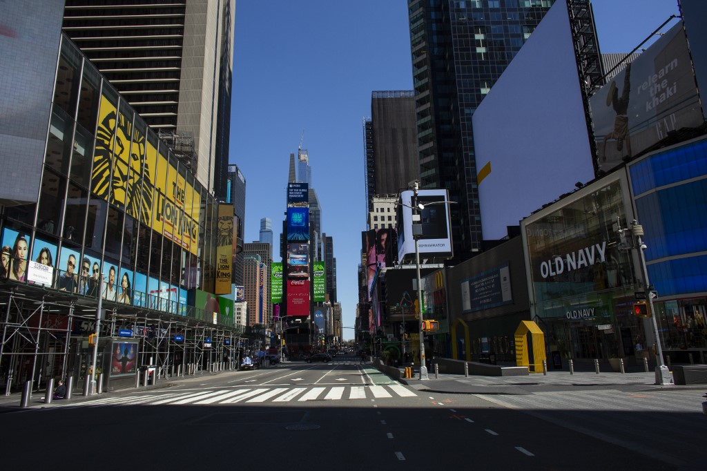Times Square, em Nova York, vazia em meio à pandemia da Covid-19