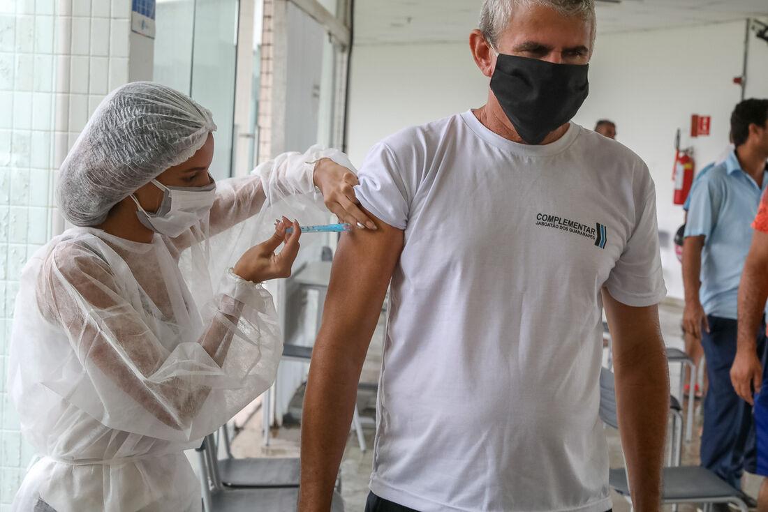 Vacinação de motoristas em Jaboatão dos Guararapes