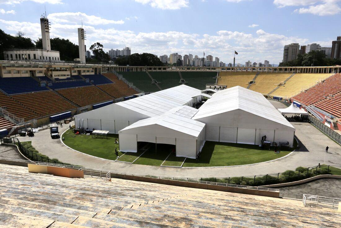 Estádio do Pacaembu, em SP, virou hospital de campanha
