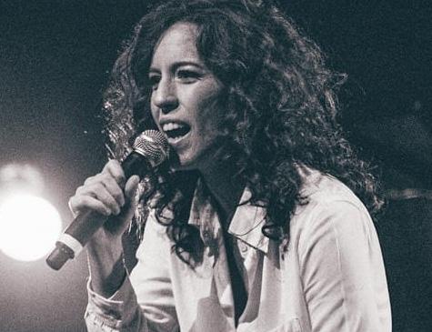 Rhaíssa Bittar, cantora