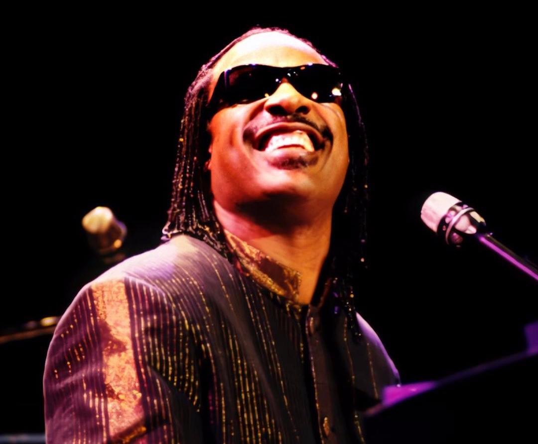 Stevie Wonder integra o rol de artistas que participam do festival