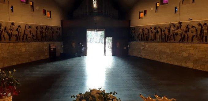Cemitério da Igreja de Bérgamo foi esvaziado após queda do índice de mortes
