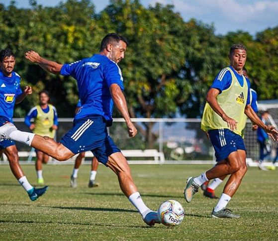 Edilson, lateral-direito do Cruzeiro