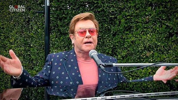 Elton John cantou no evento virtual