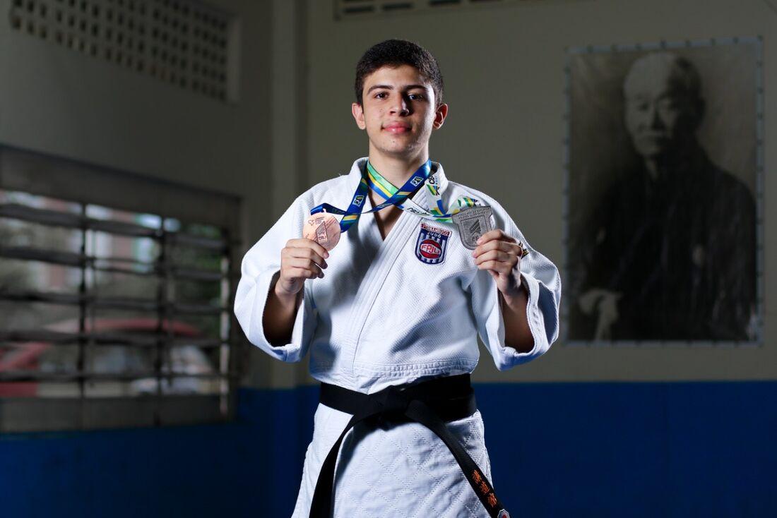 Pedro Balduino, de 16 anos, honra linhagem da família de grandes talentos do judô