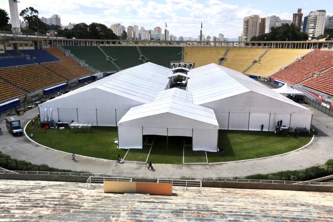 Estádio do Pacaembu virou hospital de campanha