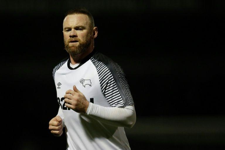 Rooney não se mostrou contente com pressão por redução de salários