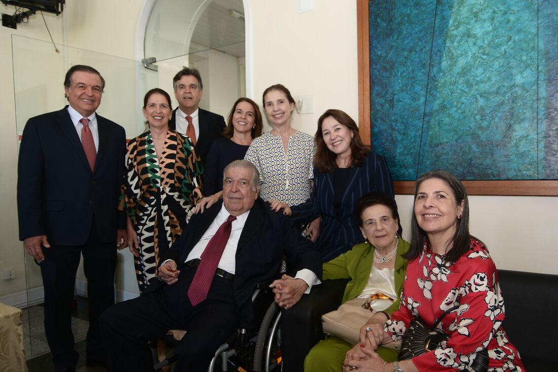 Ricardo e Graça em momento com os sete filhos: Ricardo, Renata, Jaime, Paula, Lourdes, Patrícia e Catarina