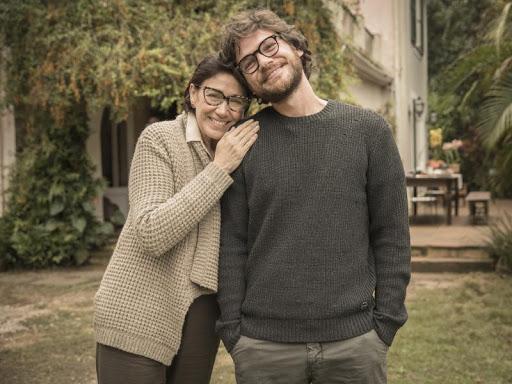 Nova série do Globoplay estreia com Lília Cabral e Emílio Dantas