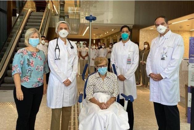 Gina Dal Colleto Fernandes tem 97 anos e foi internada no dia 1º de abril com sintomas graves da doença.