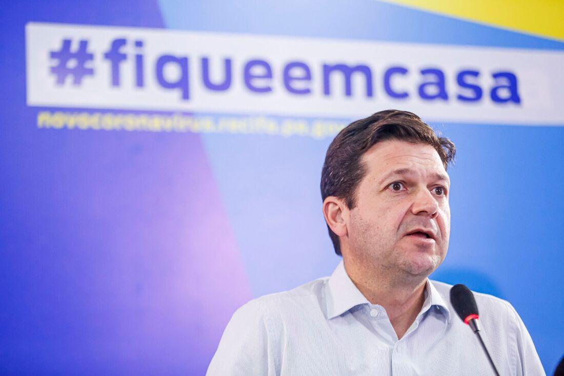 Prefeitura do Recife garante 2 milhões de EPIs e contratação de 1346 profissionais para combate à Covid-19