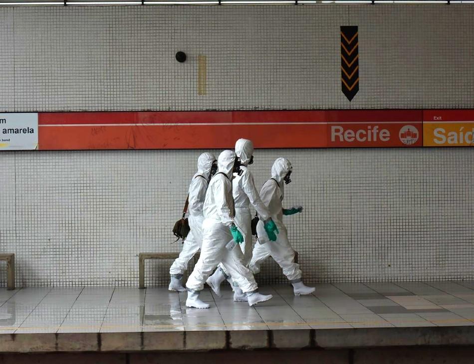 Ação de desinfecção das estações de metrô
