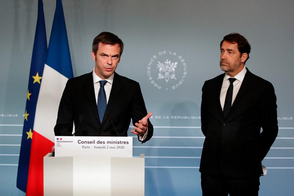 Ministro da Saúde da França, Olivier Véran,fazendo o anúncio