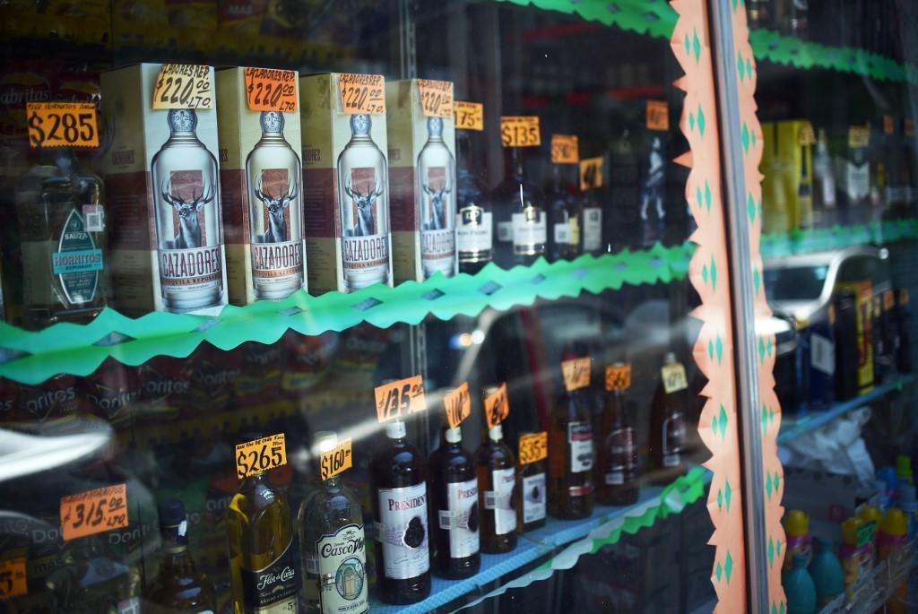 Consumo de bebidas alcoólicas adulteradas aumentou no México