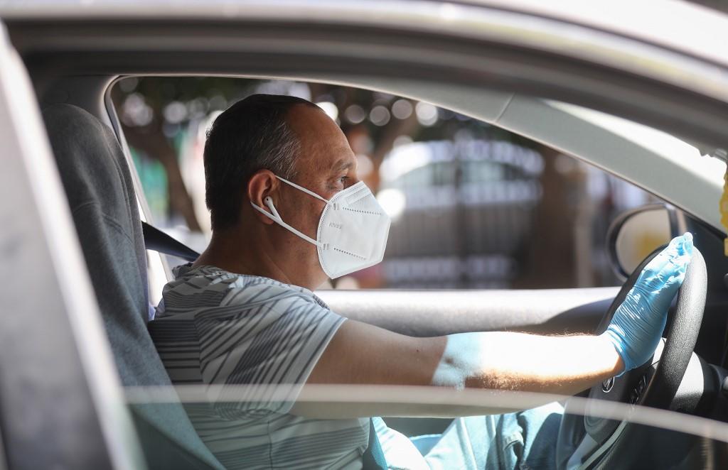 Uso de máscaras se torna obrigatório durante viagens da Uber