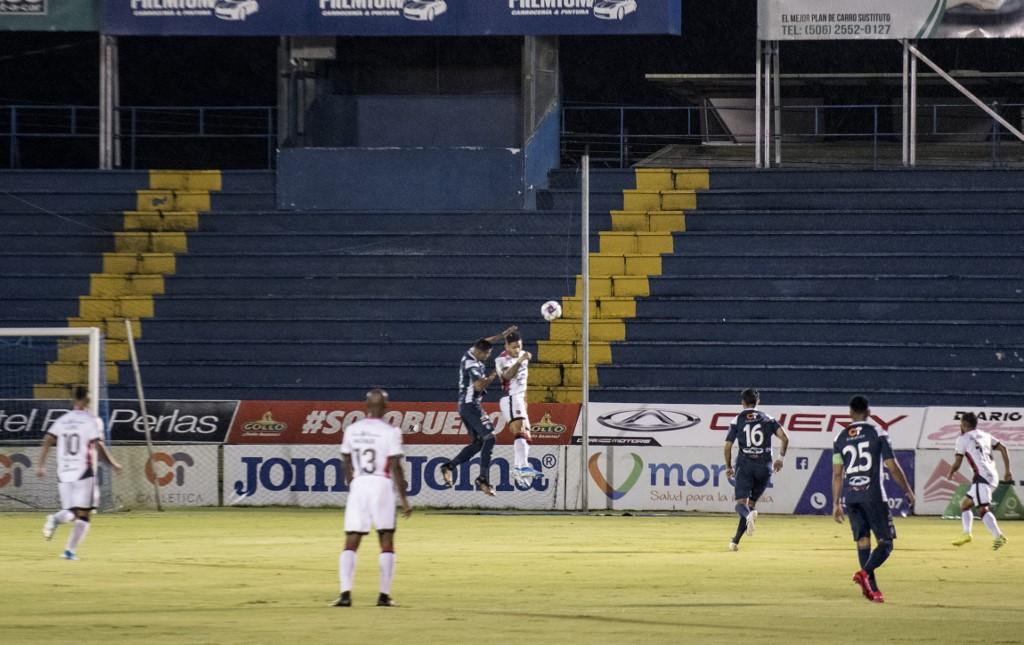 Embate entre Alajuelense e Cartaguines marca a volta do futebol nas Américas