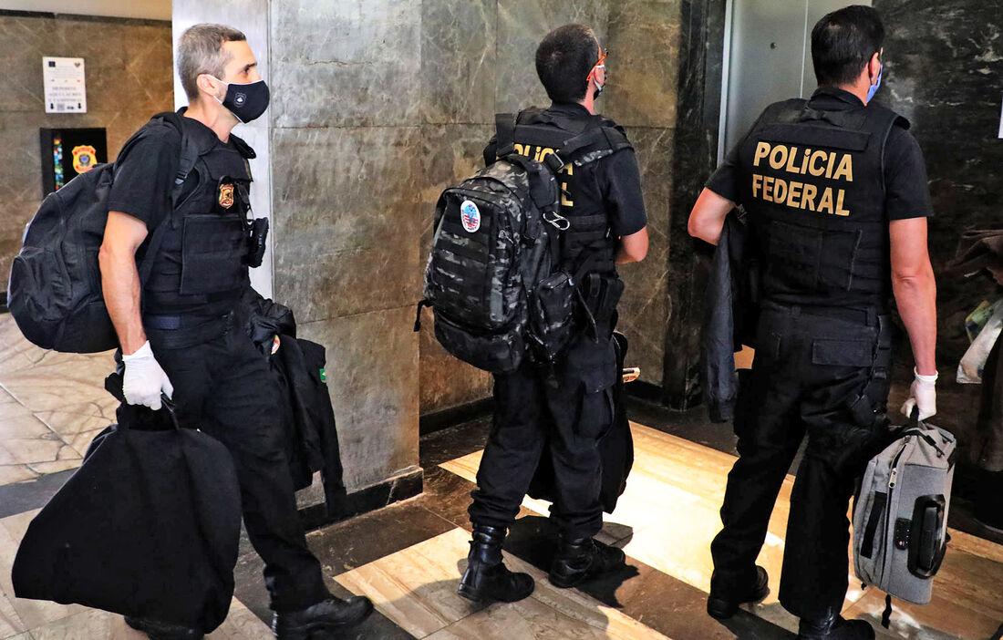 PF realiza apreensão no Palácio do Governo do Rio de Janeiro