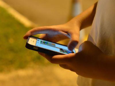 Aplicativo no celular ajuda profissionais em busca de EPIs