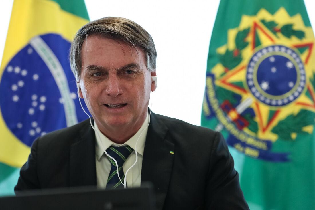 Presidente Jair Bolsonaro em videoconferência com o presidente da Polônia