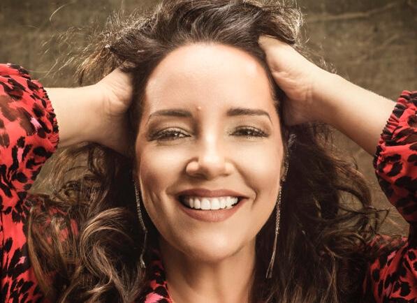 Ana Carolina vai abrir o Festival