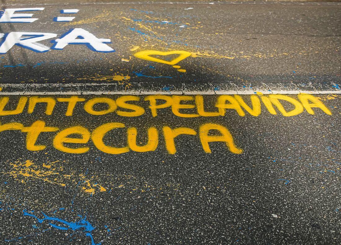 Projeto leva mensagens de solidariedade às ruas do Recife