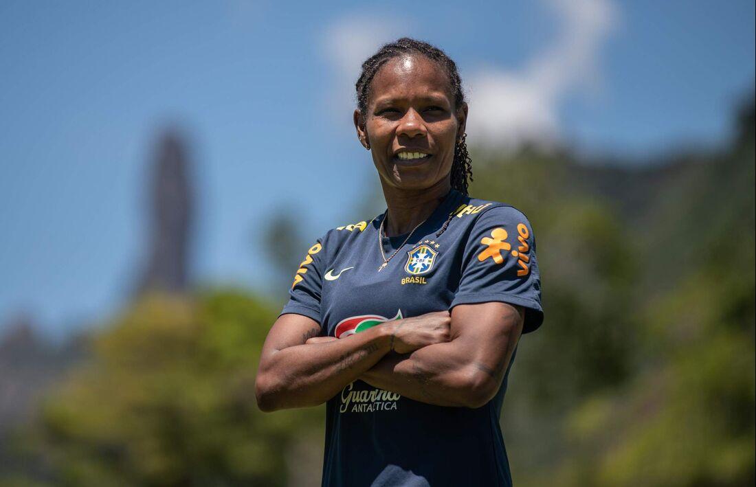 Formiga revela desejo de encerrar carreira no Brasil