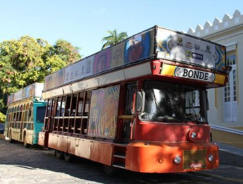 A Frevioca promete animar as ruas do Recife neste domingo de Dia das Mães