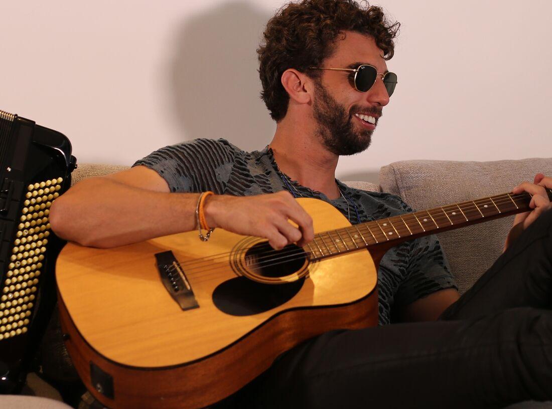 Tauã Cordel, cantor e compositor