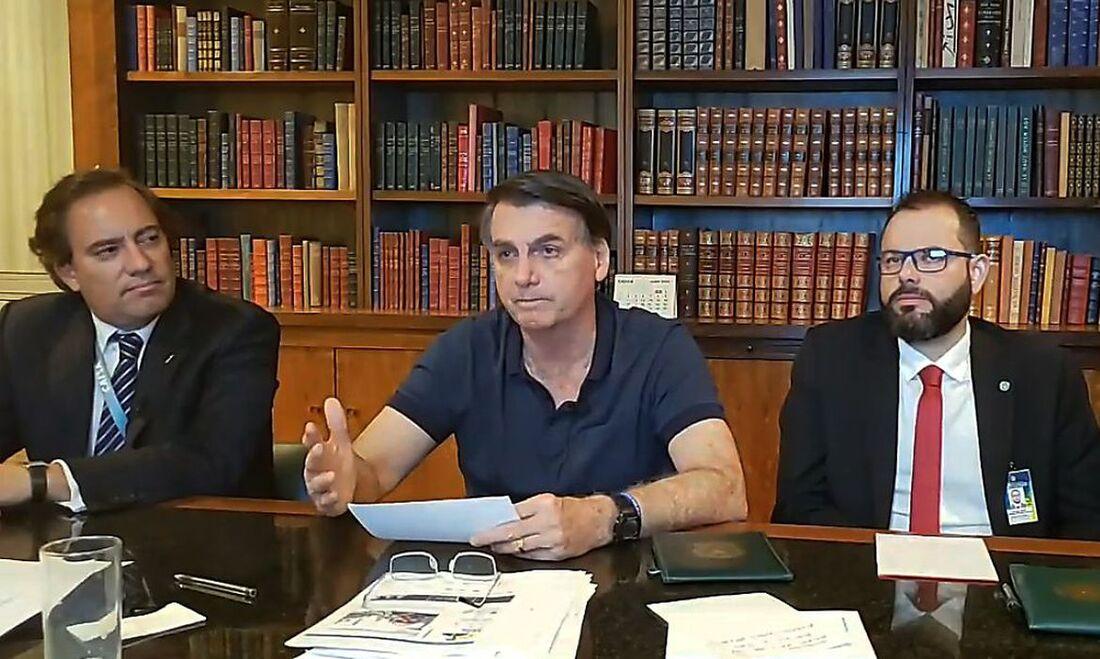 Presidente Jair Bolsonaro em live transmitida nas redes sociais
