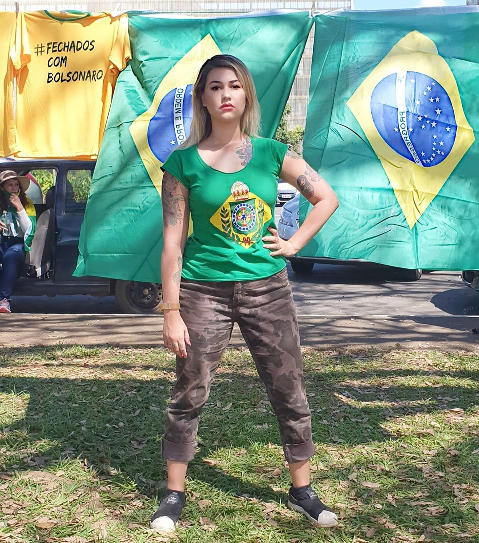 "Sara Winter, do grupo ""300 do Brasil"""