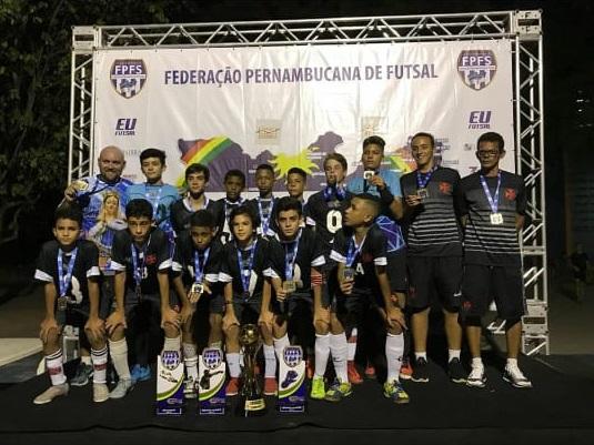 ADESSPE/Vasco da Gama foi campeão estadual em 2013 ao derrotar o Retrô na final