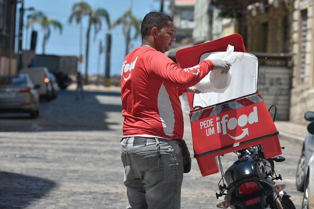 Entrega por Delivery está entre os serviços essenciais
