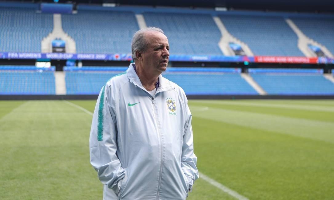 Vadão, ex-técnico da seleção feminina de futebol do Brasil
