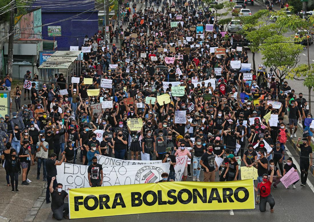 Protesto pró-democracia em Manaus
