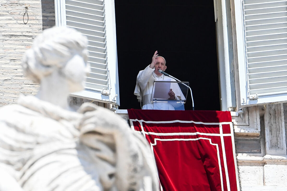 Papa Francisco em cerimônia na Praça São Pedro