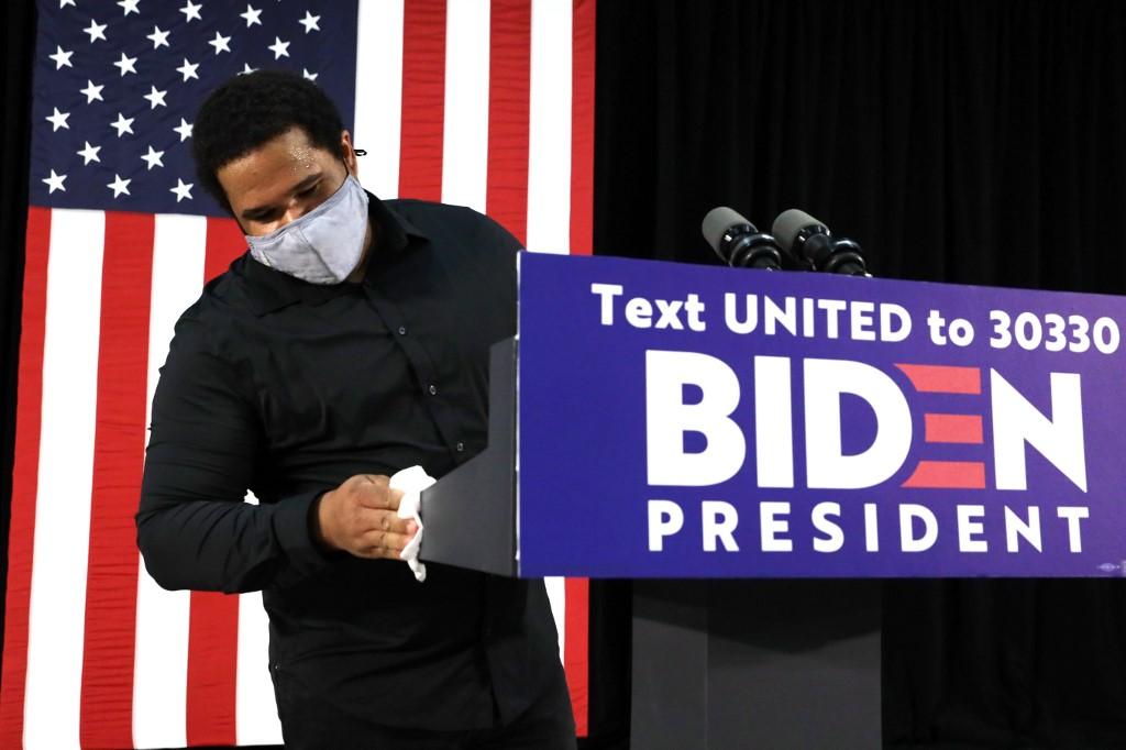 Biden desiste de realizar atos de campanha