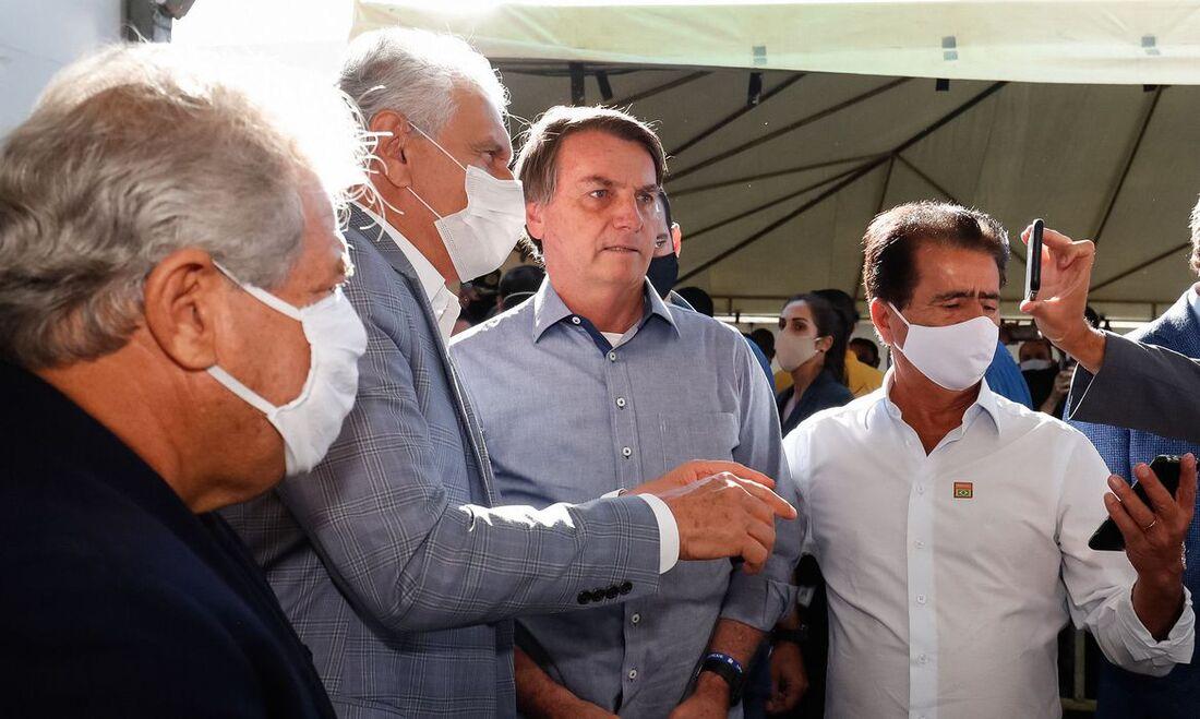 Bolsoanro na entrega do hospital de campanha de Goiás